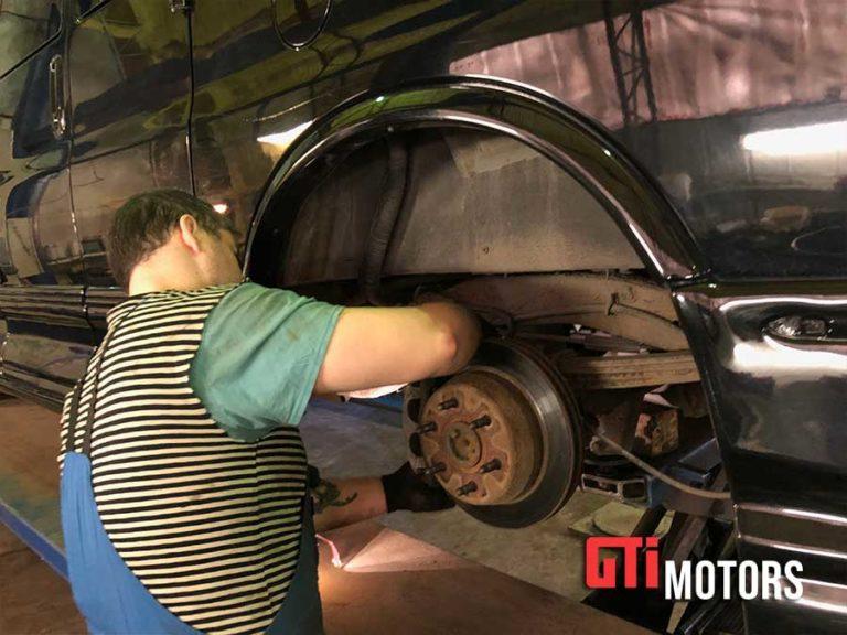 Замена передних тормозных колодок - фото 2
