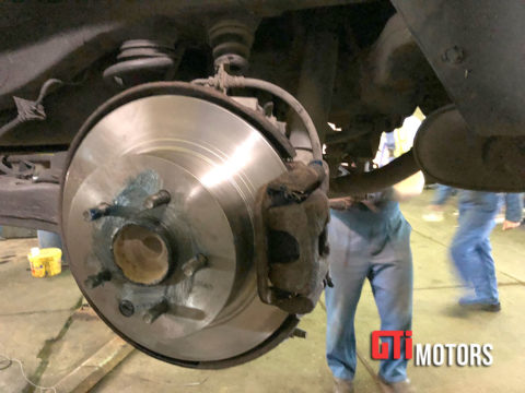 Замена ступицы колеса в СПб
